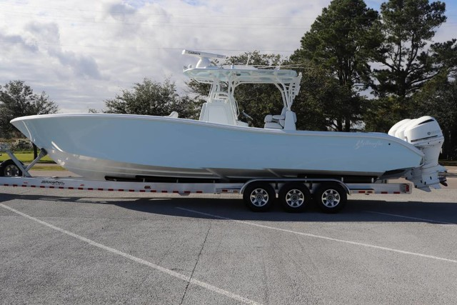 Pre-Owned 2019 YELLOWFIN 36 FT CENTER CONSOLE